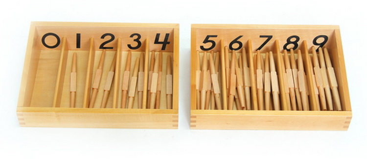 Numbered Spindle Box with 45 Spindles